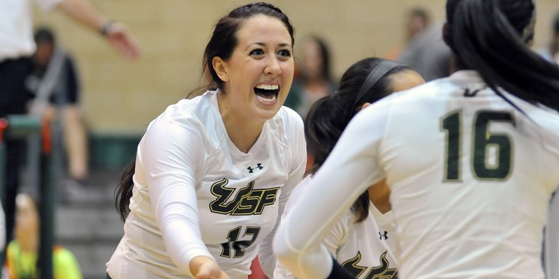 Green Team Stages Comeback Win In Green Gold Game Usf Athletics
