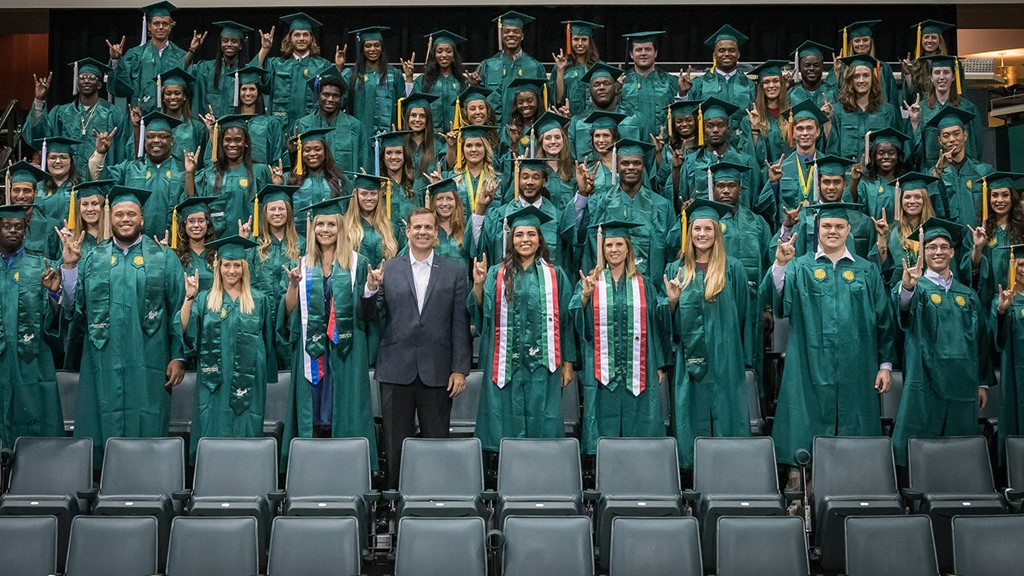 100 USF Student-Athletes to Graduate in 2016-17 - USF Athletics