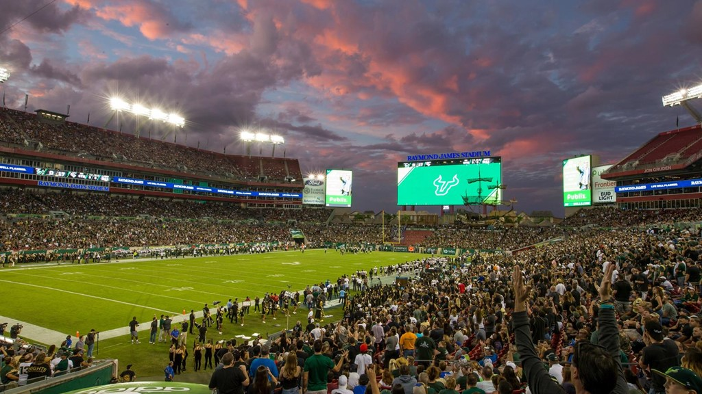 Football Home Attendance Highest Since 2012 Usf Athletics
